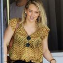 Hilary Duff – Leaves Nail Salon in Studio City