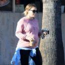 Hilary Duff – Leaving a coffee shop in LA