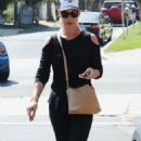 Katherine Heigl – Out in Los Angeles - 454 x 747