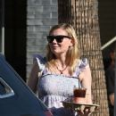 Kirsten Dunst – Out and about in Los Angeles - 454 x 559