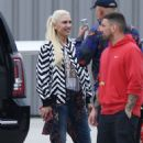 Gwen Stefani at Van Nuys Airport in Los Angeles - 454 x 641