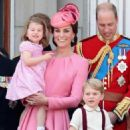 Prince Windsor and Kate Middleton : Trooping the Colour 2017 - 454 x 564