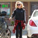 Gwen Stefani stops by an acupuncture clinic on in Los Angeles, California on April 10, 2015