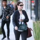 Michelle Trachtenberg Out Shopping in Beverly Hills November 23, 2016 - 454 x 681