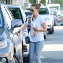 Natalie Portman in Gym Outfit – Out in Los Angeles - 454 x 626