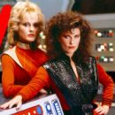 Jane Badler as Diana in V - 454 x 255