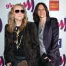 Melissa Etheridge and Linda Wallem - 421 x 594