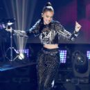 Hailee Steinfeld – Performs at the Dick Clark's New Year's Rockin' Eve with Ryan Seacrest 2018 in NY