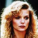 Michelle Pfeiffer - The Witches of Eastwick - 454 x 658