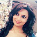 Actress Divyanka Tripathi Pictures - 377 x 494