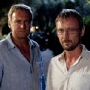 Mad Dogs (2011) - 454 x 290