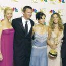 Friends Cast At The 54th Annual Primetime Emmy Awards (2002) - 400 x 265