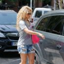 Shakira – Out in Barcelona 12/17/2018 - 454 x 650