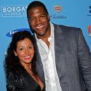 Michael Strahan and Stefani Vara - 428 x 594