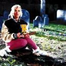 Kristy Swanson in Buffy - The Vampire Slayer (1992) - 400 x 311