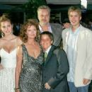 Eva Amurri, Susan Sarandon, Tim Robbins and sons attend - World premiere of 'War Of The Worlds' at the Ziegfeld Theatre on June 23, 2005 - 454 x 320