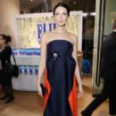 Caitriona Balfe at 74th Golden Globes Awards - arrivals - 396 x 600