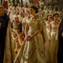 The Crown (2016) - 454 x 302