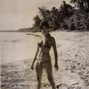 Rosenda Monteros - 454 x 613