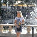 Lottie Moss – Shopping candids at The Grove in LA With Emily Blackwell - 454 x 609