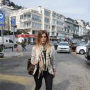 Çigdem Batur  walking in Bebek - 454 x 683