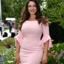 Kelly Brook – Hampton Court Flower Show in London