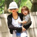 Christina Aguilera - Takes Son To The American Museum Of Natural History In NYC, 2010-05-08