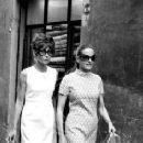 Doris Kleiner, Audrey Hepburn - 236 x 421