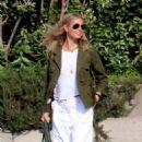 Gwyneth Paltrow – Arriving in the Amalfi Coast - 454 x 755