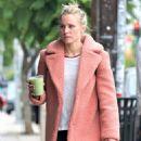 Kristen Bell – Out in Los Feliz