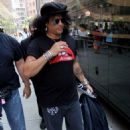 Slash arrives at the House Of Blues in Boston this afternoon for his sound check on July 8, 2013