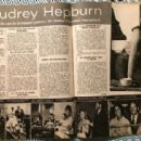 Audrey Hepburn - Cine Revue Magazine Pictorial [France] (2 January 1969) - 454 x 313