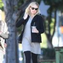 Kirsten Dunstout for lunch in LA - 454 x 641