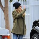 Teresa Palmer spotted in Los Angeles, California on January 10, 2017 - 370 x 600