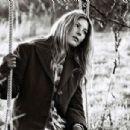 Deborah Kara Unger - 454 x 304