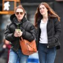 Julianne Moore and Liv Freundlich get a green drink in New York City - 454 x 568