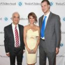 Brooke Burke-Charvet and daughter Heaven Rain attend World Of Children Award 2016 Alumni Honors at Montage Beverly Hills on April 12, 2016 - 404 x 600