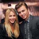Kenny Wormald and Julianne Hough - 440 x 330