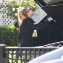 Dakota Fanning – Spotted while taking beer in Los Angeles - 454 x 472
