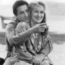 Meryl Streep and Robert De Niro in Falling in Love (1984) - 454 x 620