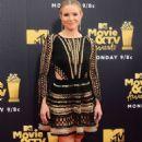Kristen Bell – MTV Movie and TV Awards 2018 in Santa Monica - 454 x 754