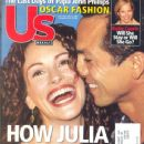 Julia Roberts, Benjamin Bratt - US Weekly Magazine Cover [United States] (April 2001)