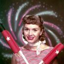 Debbie Reynolds - 454 x 565