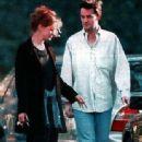 Julia Roberts and Matthew Perry - 337 x 425