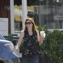 Alyson Hannigan: picks up coffee in Brentwood