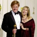 Robert Redford and Barbra Streisand At The 74th Annual Academy Awards (2002) - 326 x 465