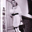 Claudia Schiffer - Vogue Magazine Pictorial [Italy] (April 2000)