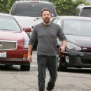 Ben Affleck is seen out and about on December 11, 2016 - 454 x 559