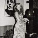 Priscilla Presley - 454 x 665