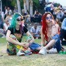 Bella and Dani Thorne – 2018 Coachella Weekend 2 in Indio - 454 x 373
